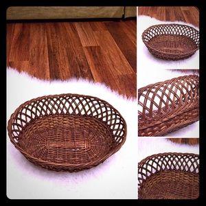 🦋2/$10 3/$15 4/$18 5/$20 Vintage Wicker Basket